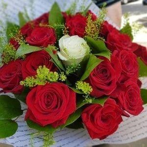 Buchet 19 roses