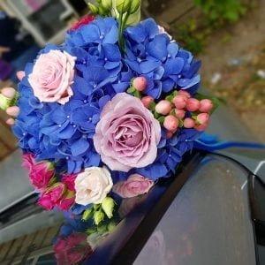 Buchet de mireasă cu hortensie albastră