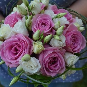 Buchet de mireasă cu trandafiri roz