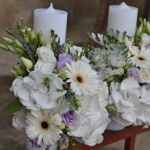 Lumânări cununie cu flori albe